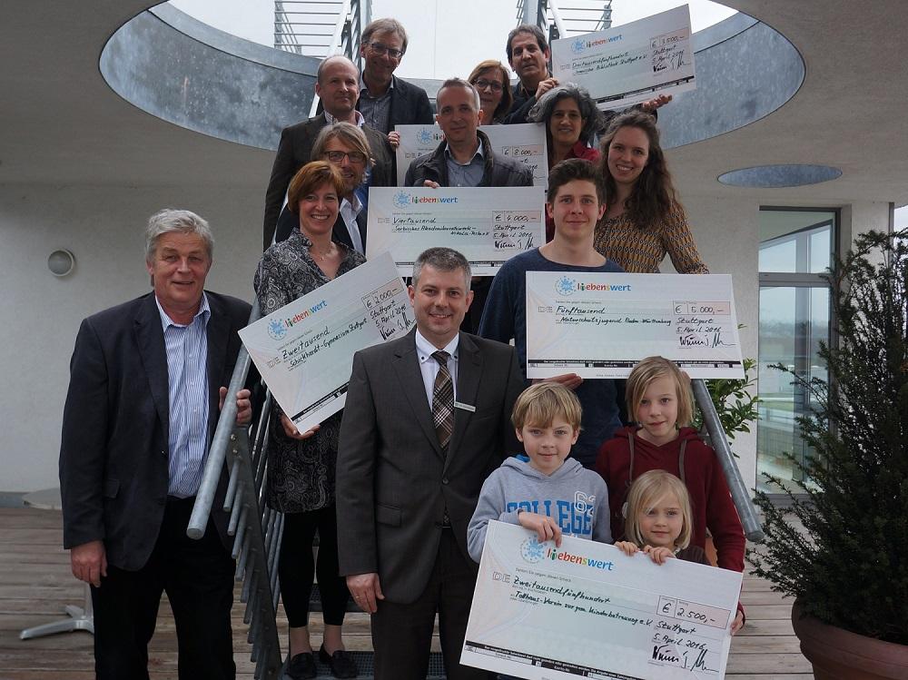 5.4.2016. Stiftung L(i)ebensWert - PSD Bank Bad Cannstatt - Scheckübergabe